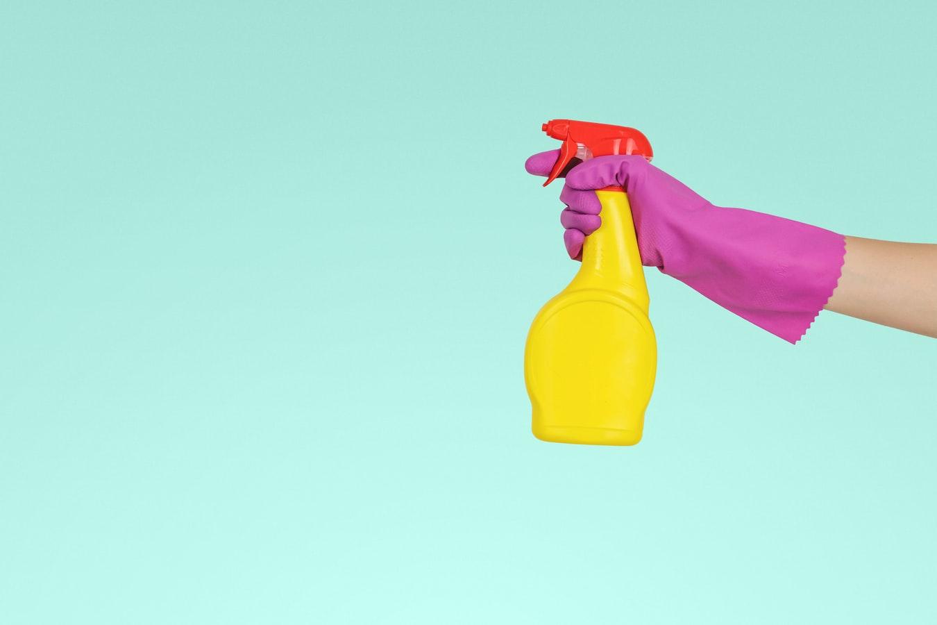 Tout savoir sur le vinaigre ménager : quand et comment l'utiliser ?